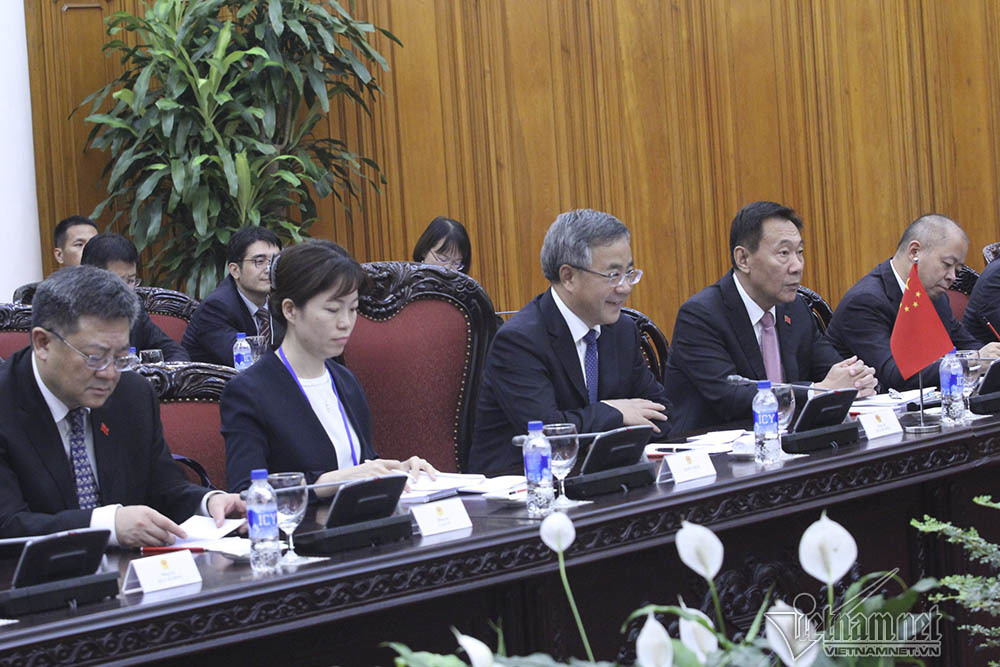 Thủ tướng đề nghị Trung Quốc đầu tư dự án công nghệ cao tại Việt Nam