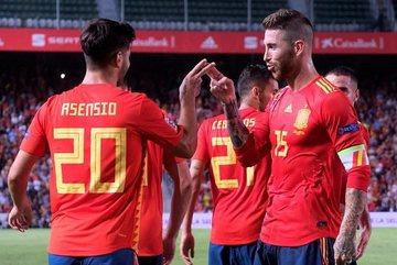 Tây Ban Nha vùi dập á quân World Cup 6-0