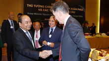 Thủ tướng đối thoại với lãnh đạo tập đoàn toàn cầu