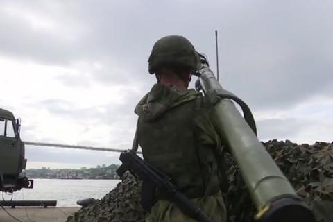 Xem một loạt vũ khí khủng Nga phô diễn uy lực  2