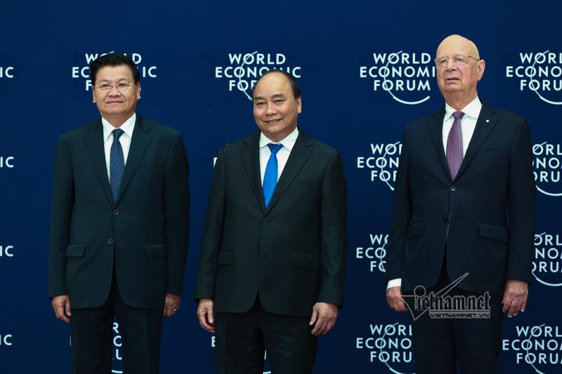 Hình ảnh Thủ tướng chủ trì lễ đón các trưởng đoàn dự WEF ASEAN 2018