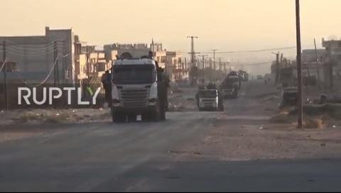 Video lực lượng Mãnh Hổ di chuyển từ miền nam Syria lên bao vây Idlib, chuẩn bị cho chiến dịch lớn sắp diễn ra: