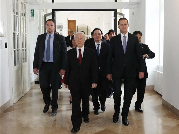 Bộ trưởng Phùng Xuân Nhạ,Tổng Bí thư Nguyễn Phú Trọng