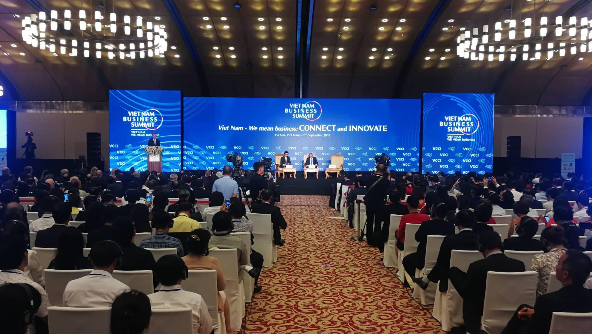 Cuộc đối thoại đặc biệt của Thủ tướng tại hội nghị Thượng đỉnh Kinh doanh VN