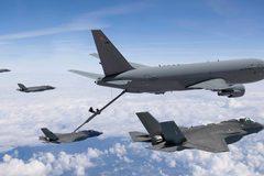 """Mẫu máy bay Không quân Mỹ """"thèm"""" hơn cả tiêm kích F-35"""