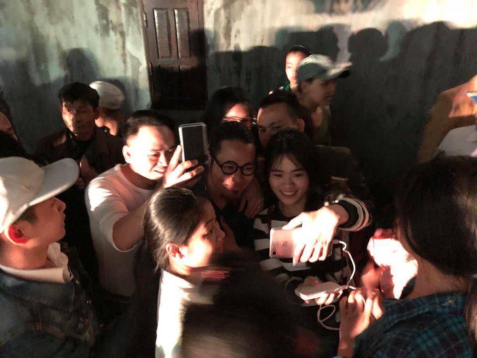 Quang Tèo, Giang Còi bất ngờ khi bị lên án chụp ảnh với kẻ giết người