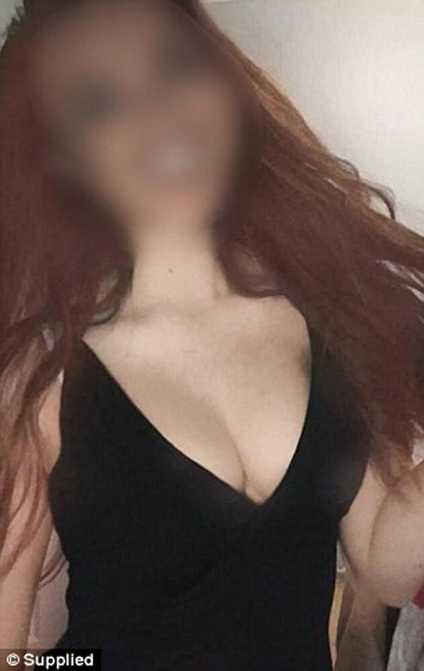 Mỗi tháng gặp 'bố nuôi' 2 lần, hotgirl được trả hàng ngàn USD