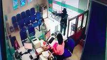 Video cảnh cướp chớp nhoáng 1 tỷ đồng ở Tiền Giang