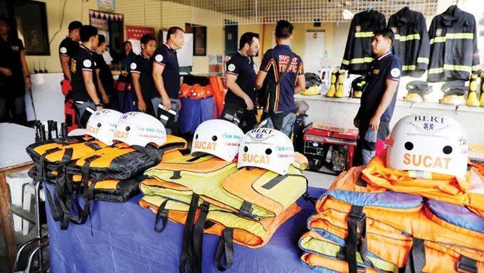 Lực lượng cứu hộ Philippines chuẩn bị ứng phó trước khi siêu bão Mangkhut đổ bộ đảo Luzon hôm 13/9.
