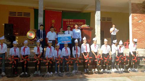 Fubon Life Việt Nam: Mùa khai trường, mùa của yêu thương