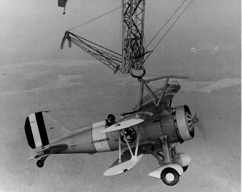 Bí mật ít biết về hàng không mẫu hạm bay của Mỹ