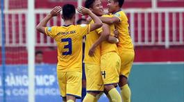 SLNA vào top 3, Khánh Hoà có 1 điểm trước Hà Nội