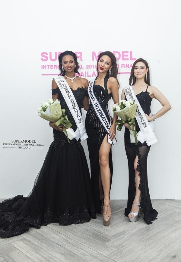 Khả Trang chiến thắng cuộc thi Siêu mẫu Quốc tế 2018