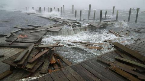 Hìhh ảnh Bắc Carolina tả tơi vì siêu bão, 5 người chết