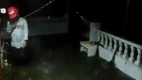 bão Mangkhut tấn công đảo Luzon gây ngập