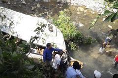 Vụ tai nạn 13 người chết: Về giỗ chồng, 4 người trong gia đình bị nạn