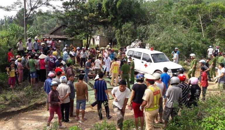 Nguyên nhân vụ xe bồn tông xe khách 13 người chết ở Lai Châu