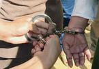 Bắt giữ một cựu trung tá công an