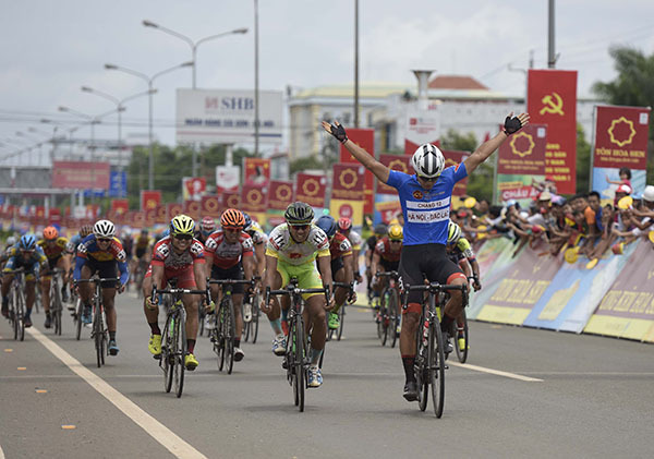 Giải xe đạp VTV Cup Tôn Hoa Sen 2018: Im Jaeyeon lại về nhất chặng!