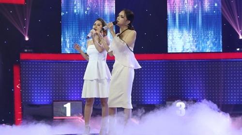 Hương Giang lầy lội song ca cùng hotgirl với giọng ca thảm họa