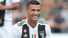 Mourinho bắn tiếng MU ký mới, Ronaldo ghi bàn cho Juventus
