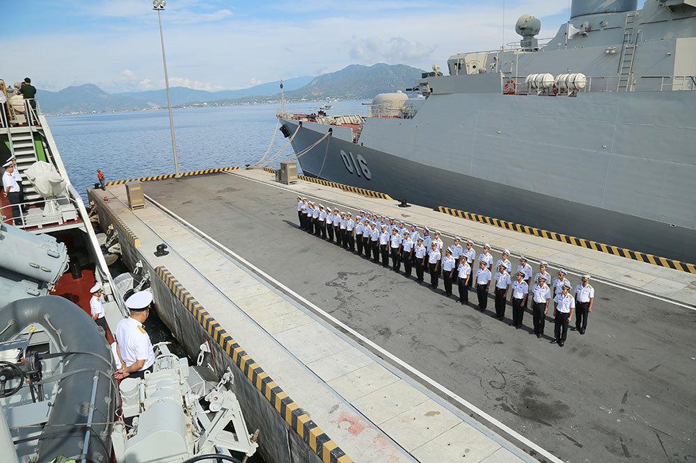 Chiến hạm Việt Nam bắt đầu chuyến đi biển xa nhất