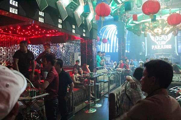 Đột kích vũ trường, giữ hàng chục dân chơi Sài Gòn phê ma túy