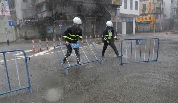 bão Mangkhut tấn công Hong Kong - 07
