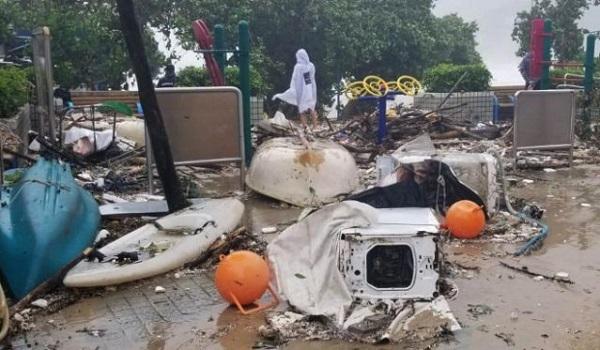 bão Mangkhut tấn công Hong Kong - 01