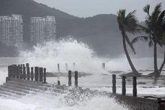 Siêu bão Mangkhut đổ bộ Trung Quốc, mưa to khắp miền Bắc