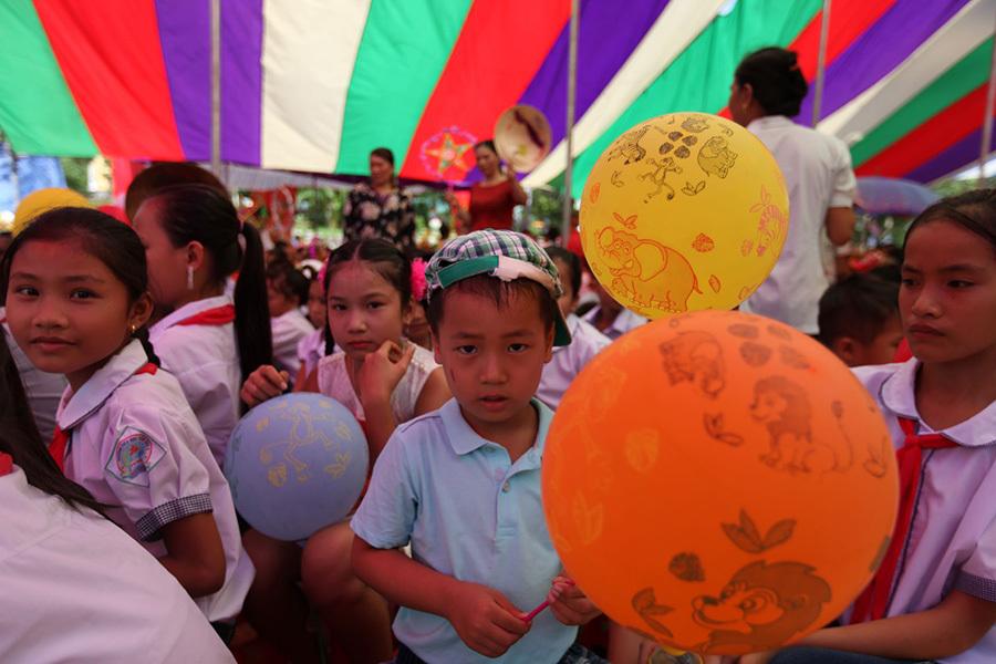 Trao 316 tủ sách cho học sinh tiểu học Thanh Hoá
