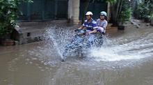 Dự báo thời tiết 17/9: Bão Mangkhut suy yếu, Hà Nội giảm 6 độ