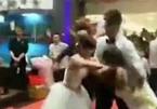 Hai cô dâu lao vào ẩu đả ngay trong đám cưới, chú rể chết lặng
