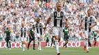 MU kiếm tiền vô đối, Ronaldo bị tố... ăn cắp