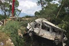 Khởi tố vụ xe bồn đẩy xe khách lao vực 13 người chết
