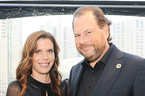 Vợ chồng tỷ phú công nghệ thâu tóm tạp chí Time với giá 190 triệu USD
