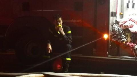 lính cứu hỏa vụ cháy ở đê la thành