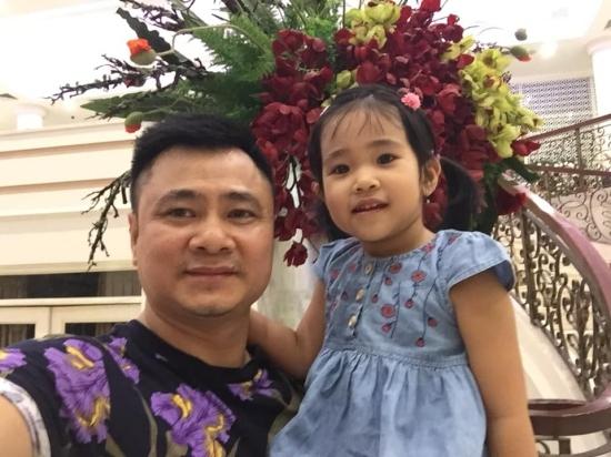 Hương Tràm tiết lộ ảnh nhà mới tậu đang được tân trang