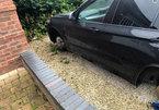 Hi hữu: Chiếc BMW X5 bị tháo trộm cả 4 bánh khi chủ xe đang ngủ