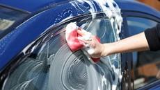 Tự rửa ô tô tại nhà chớ mắc sai lầm tai hại này kẻo xe càng 'ngốn' tiền hơn