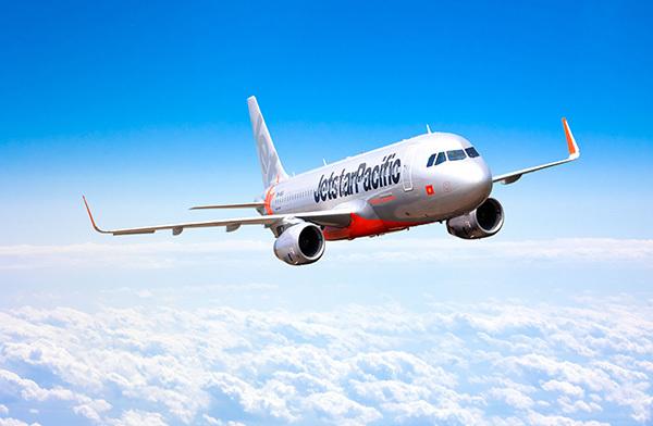 Máy bay hạ cánh khẩn vì du khách Mỹ đau tim