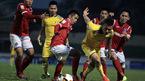 SLNA đánh rơi chiến thắng phút cuối trên sân Cẩm Phả