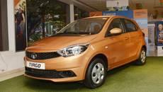 Hơn 9.000 người Ấn đổ xô mua chiếc ô tô giá rẻ chỉ hơn 100 triệu đồng
