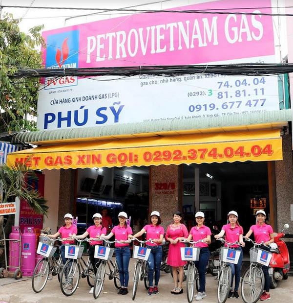28 năm PV GAS: khám sức khỏe, làm thiện nguyện