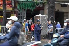 Chạy tán loạn khi nhà trên đường Đê La Thành lại bốc khói