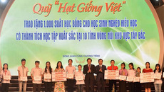 Học bổng Hạt Giống Việt tặng 1000 HS miền núi phía Bắc