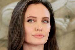 Angelina Jolie đã kết hôn và chuẩn bị tổ chức tiệc cưới với người tình tỷ phú bí mật?