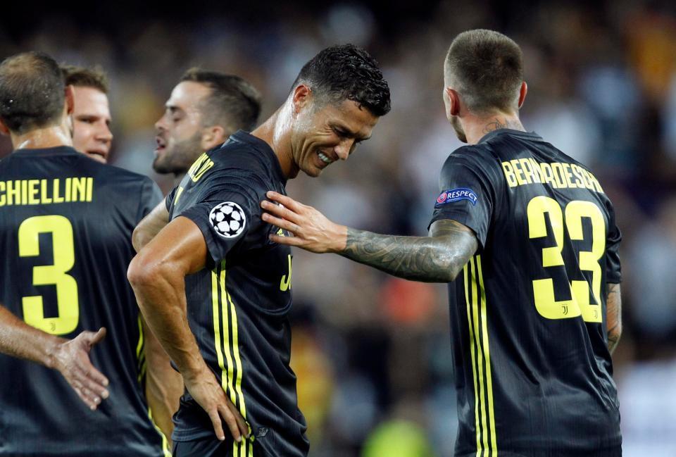 Ronaldo khóc nức nở vì bị đuổi khỏi sân