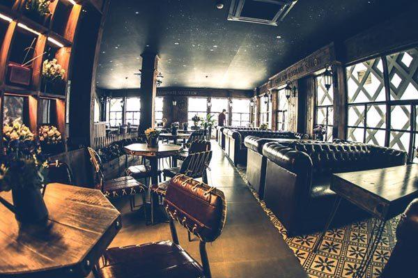 Quán café phong cách Vintage sang chảnh bậc nhất Sài thành