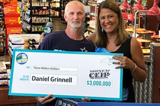 Máy ATM hỏng giúp người đàn ông thắng giải xổ số gần 70 tỷ đồng